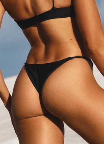 black string bikini